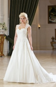 Bridal gowns - LGM60 - Organza and lace wedding dress with a lace-up back by Romantic Bridals.