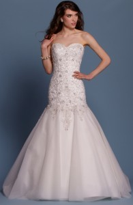 Bridal gowns - LGM64 - Tulle and lace embroidery wedding dress by Romantic Bridals.